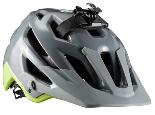 「後頭部までしっかり守るヘルメット」あります!