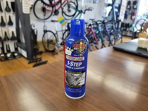 初めての方でもの使いやすい!一つでチェーンの洗浄と注油の二役をこなします! finish line 1ステップクリーナー&ルブ