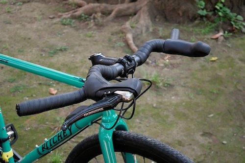 【ヴェノ リリーフバー】ドロップハンドル用ブレーキレバーが装着できるフラットハンドル