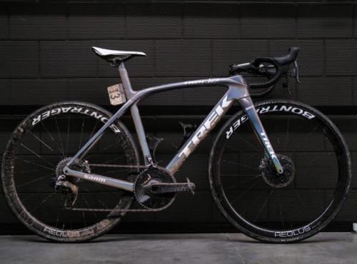 【TREK】2021パリ〜ルーベの過酷なコースで逃げ切り優勝したバイクとは?